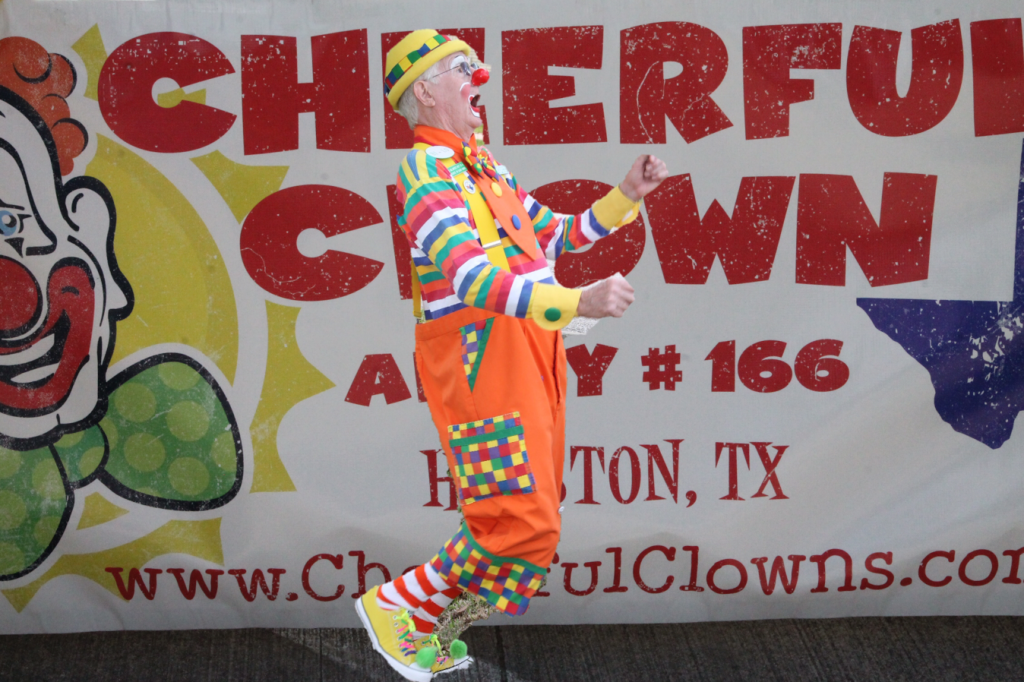 cheerful clown alley 166